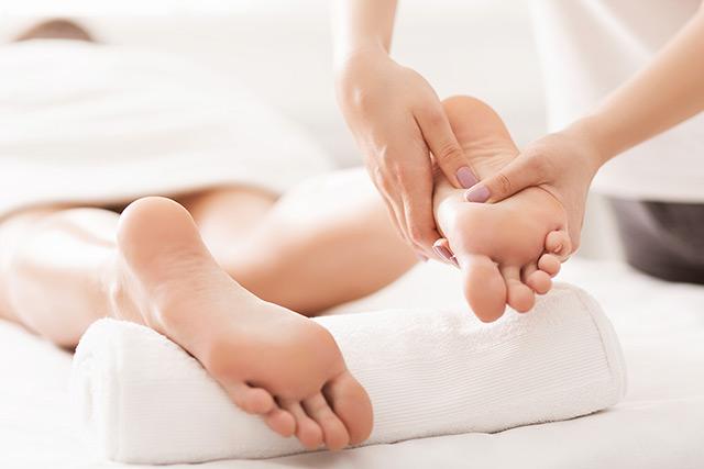 reflexology-massage-foot
